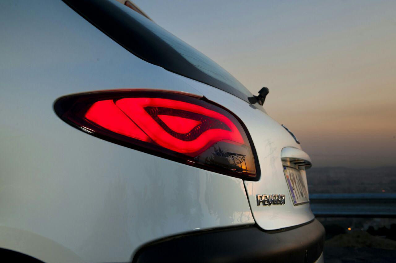 چراغ خودرو